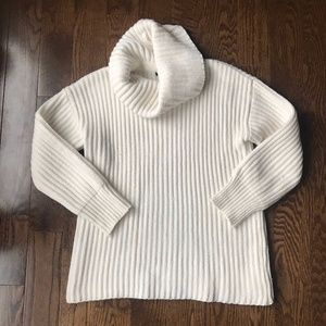 3/$25 Forever 21 Turtle Neck Long Sleeve Sweater